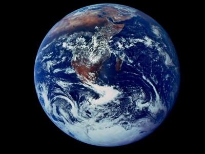 Первый фотоснимок Земли в 'полный рост'